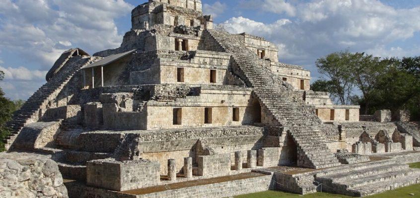 Visiting the Mayan ruins at Edzna