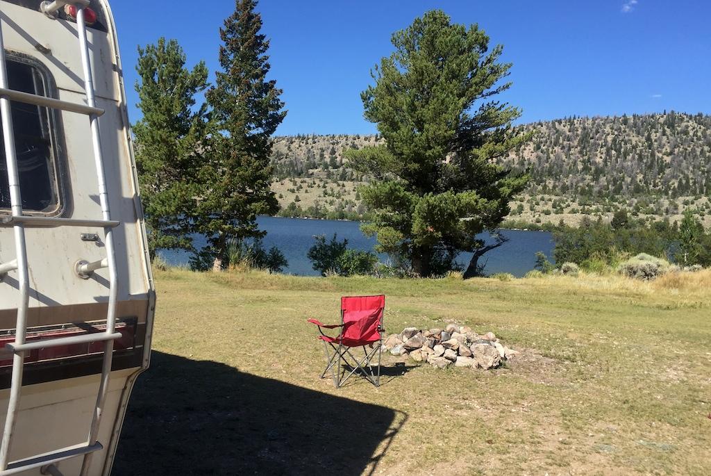 Free lakeside camping in Wyoming